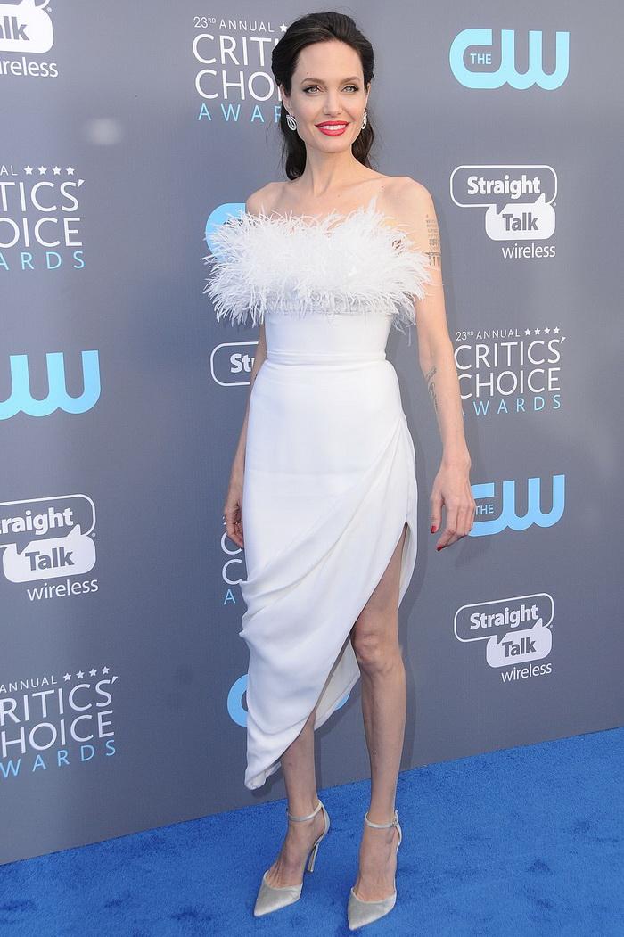 Анджелина в белом