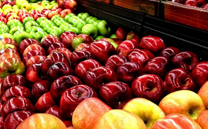 Лотки с яблоками