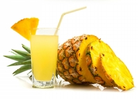 Бромелайн, содержащийся в ананасе, лишь способствует расщеплению сложных белков