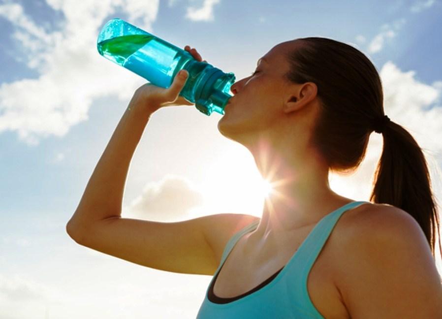 Обязательно ли выпивать 2 литра воды