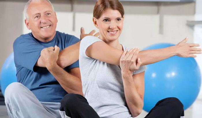 Руки после тренировки болят, не разгибаются — что делать?