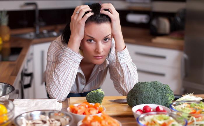 Нет чувства сытости после еды и всё время хочется есть – что делать?