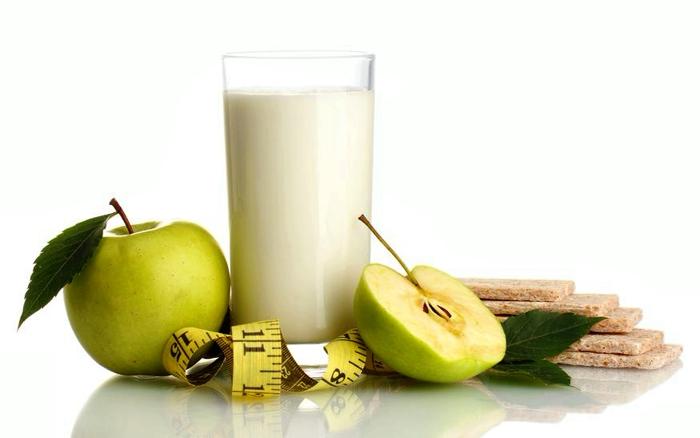 Похудела на яблоках и кефире: меню разгрузочных дней и диеты