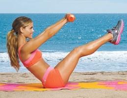 Упражнения для рук для женщин лежа
