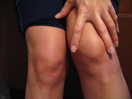 жир над коленками