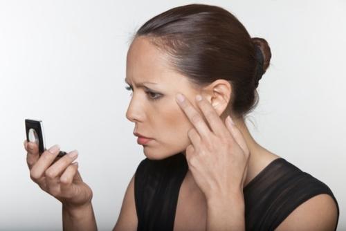 как убрать жировики на лице